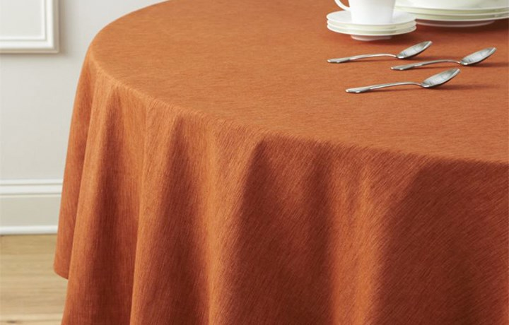 Table Covers & Banqueting Roll